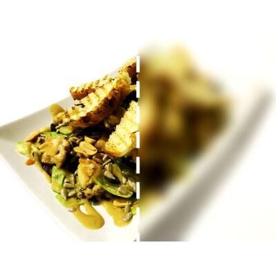 4 magvas saláta csirkecsíkokkal, ezersziget öntettel -  fél adag