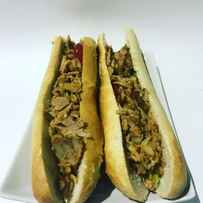 Vaslapos szendvics gyros hússal