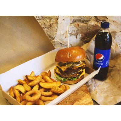 Dupla Burger menü - fűszeres héjas burgonyával, hagymakarika, választott üdítő