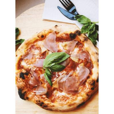PROSCIUTTO-FUNGHI 32 - olasz paradicsom alap, mozzarella, prosciutto sonka, gomba
