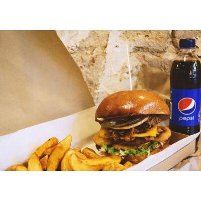 BBq Burger menü - fűszeres héjasburgonya, hagymakarika, választott üdítő