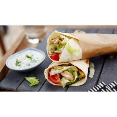 gyros tortilla:gyros hús,tzatziki szósz,jégsaláta,pirított hagyma