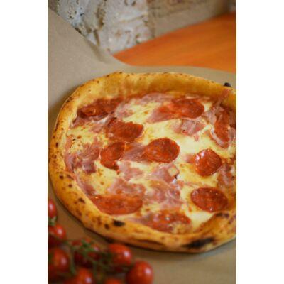 MARADONA 32 - az isteni Diego nagy kedvence volt Nápolyban ez a szalámis, sonkás és sajtos pizza
